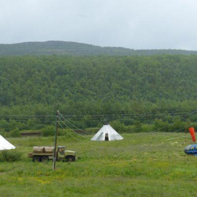 Des tipis nordiques, l'un des habitats traditionnels Sami.